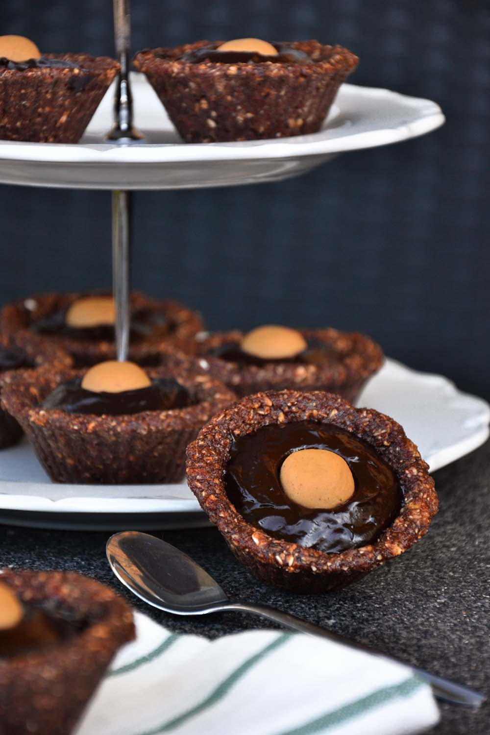 Mini chocolate avocado protein pie