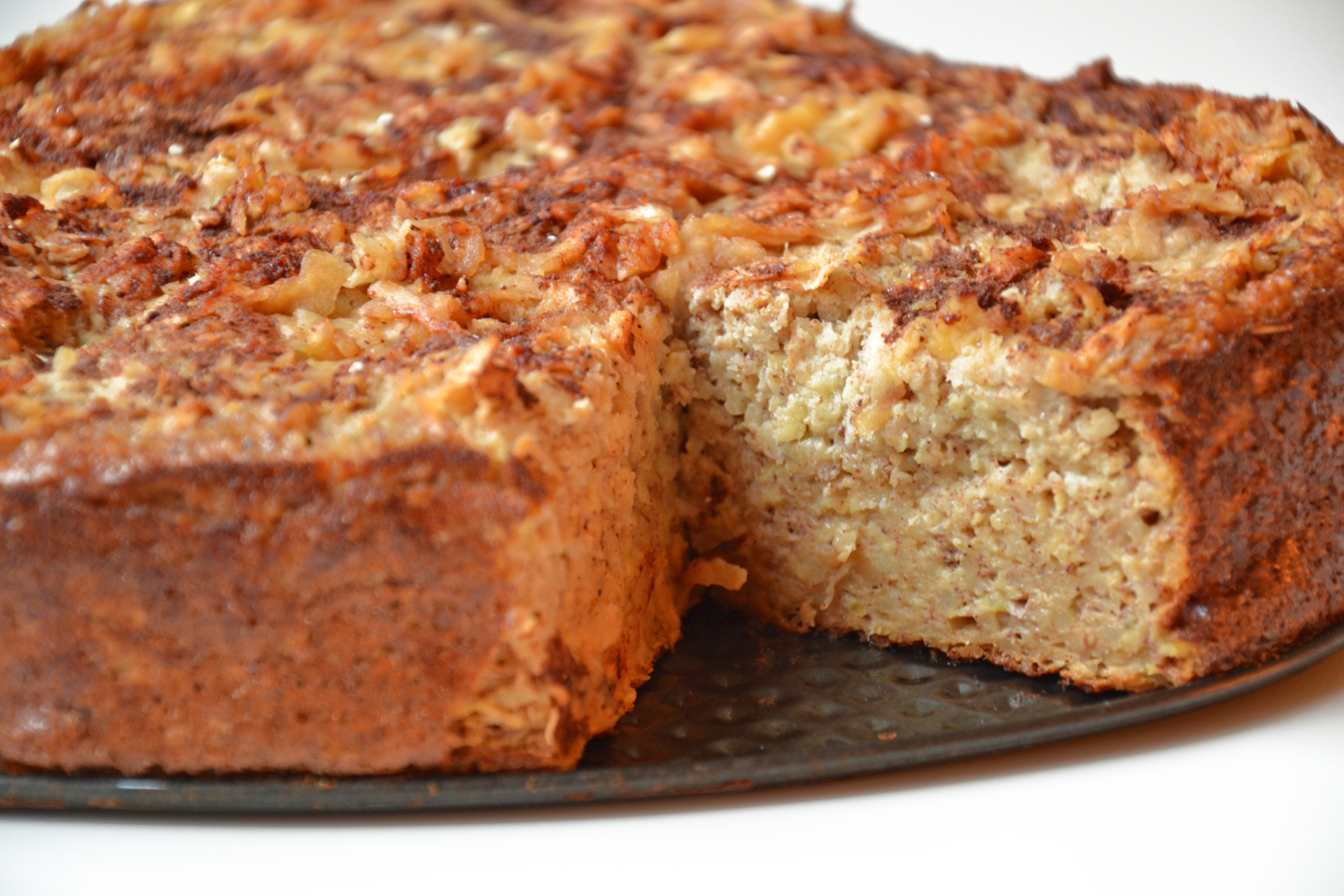 Healthy & super moist apple cake