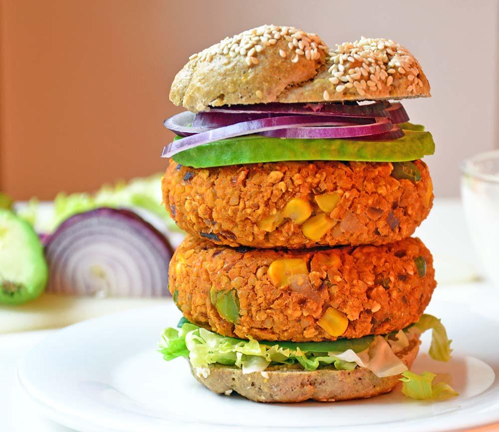 Vegetarburger med bønner og bulgur