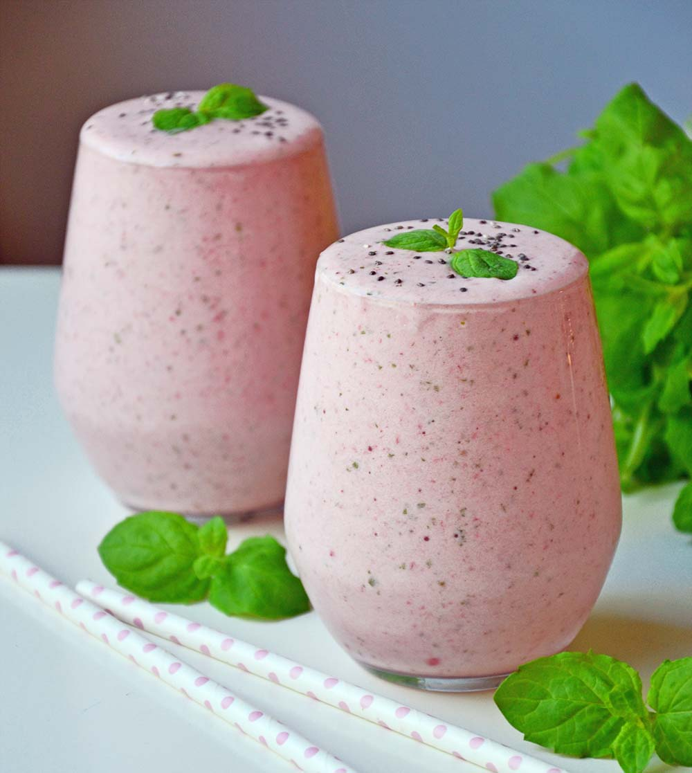 Stawberry mint smoothie